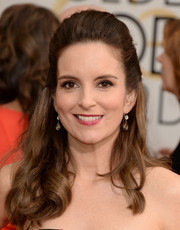 Tina Fey played it safe with this classic half-up 'do at the Golden Globes.