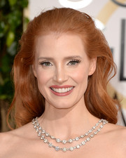 Jessica Chastain adorned her bare shoulders with an ultra-glam layered diamond necklace by Bulgari.