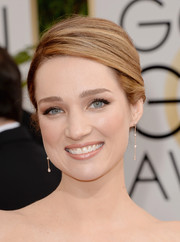 Kristen Connolly exuded classic elegance with this lovely bun during the Golden Globes.