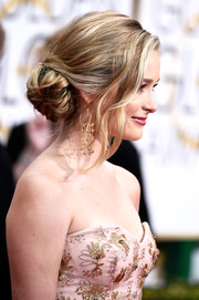 Greer Grammer looked supremely elegant at the Golden Globes with her loose side bun and wavy tendrils.