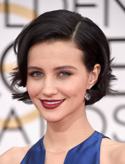 Julia Goldani Telles attended the Golden Globes wearing a cute feathered bob.