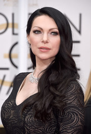 Raven-haired beauty Laura Prepon left her hair down in a stream of waves for her Golden Globes look.