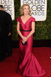Jessica Lange was a timeless beauty in an architectural-detailed hot-pink J. Mendel gown at the Golden Globes.