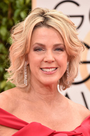 Deborah Norville wore her short blonde locks in fanned-out waves during the Golden Globes.