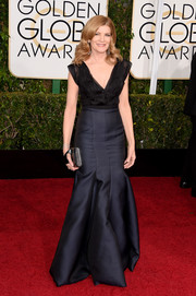 Rene Russo made an appearance at the Golden Globes looking as ageless as ever in a gorgeous black J. Mendel gown.