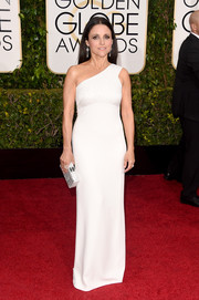 Julia Louis-Dreyfus kept it sleek and polished in a white Narciso Rodriguez one-shoulder gown at the Golden Globes.