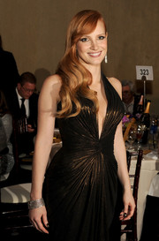 Jessica Chastain attended the Golden Globes wearing an opulent diamond bracelet by Piaget.