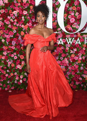Condola Rashad gave us Scarlett O'Hara vibes with this voluminous red off-the-shoulder gown by Carolina Herrera at the 2018 Tony Awards.