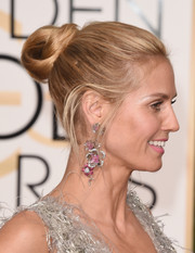 Heidi Klum pulled her hair back into a chic twisted bun for the Golden Globes.