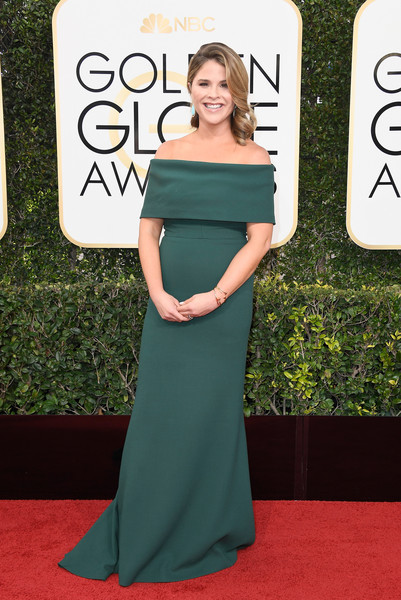 Jenna Bush Hager went for simple, classic elegance in an emerald-green off-the-shoulder gown at the Golden Globes.