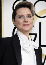 Evan Rachel Wood looked cool with her wavy pompadour top at the Golden Globes.