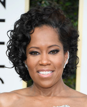 Regina King opted for a classic curly updo when she attended the Golden Globes.