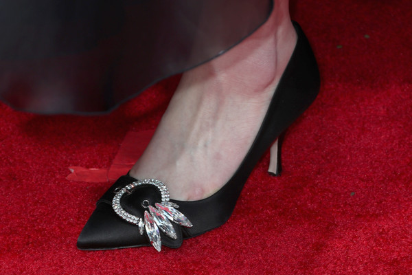 More Pics of Sadie Sink Ponytail (2 of 11) - Long Hairstyles Lookbook - StyleBistro [footwear,high heels,red,shoe,leg,joint,ankle,foot,court shoe,flooring,arrivals,sadie sink,shoe detail,beverly hills,california,the beverly hilton hotel,golden globe awards,the 75th annual golden globe awards]