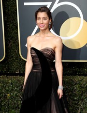Jessica Biel's Bulgari diamonds provided an ultra-luxe finish to her black gown at the 2018 Golden Globes.