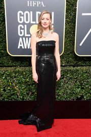 Yvonne Strahovski was classic and elegant in a strapless black column dress by Kaufmanfranco at the 2018 Golden Globes.