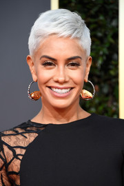 Sibley Scoles looked oh-so-cool with her silver pixie at the 2019 Golden Globes.