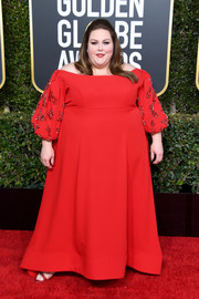 Chrissy Metz looked regal in a red off-the-shoulder gown with embellished sleeves at the 2019 Golden Globes.