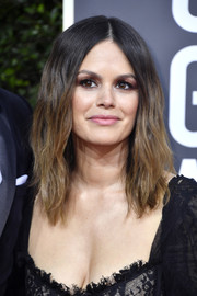 Rachel Bilson attended the 2020 Golden Globes wearing her hair in barely-there waves.
