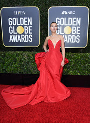 Scarlett Johansson was a stunner in a strapless red ballgown by Vera Wang at the 2020 Golden Globes.