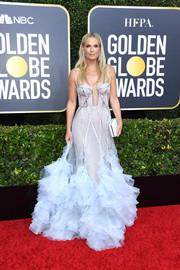 Molly Sims dolled up in a baby-blue Marchesa corset gown with a ruffled hem for the 2020 Golden Globes.