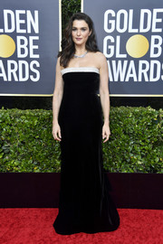 Rachel Weisz looked downright elegant in a strapless black velvet gown with a contrast neckline at the 2020 Golden Globes.
