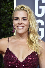 Busy Philipps rocked an edgy side-swept 'do at the 2020 Golden Globes.