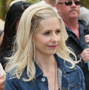 Sarah Michelle Gellar looked youthful with her half-up half-down 'do at the Kidstock Music and Art Festival.