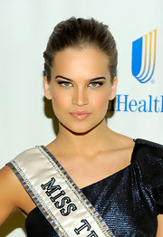 Miss Teen USA Stormi Henley showed off her classic sleek bun, while attending the Sunshine Benefit in New York City.