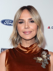 Arielle Kebbel framed her face with a subtly wavy 'do for the Reel Stories, Real Lives event.