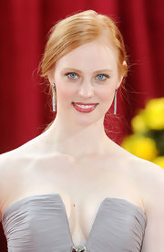 Actress Deborah Ann Woll looked darling in her strapless oyster grey dress. Her strawberry blonde locks looked amazing next to her  to her skin-tone.