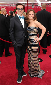 Robert Downey Jr sported a blue bowtie to the 2010 Oscars.