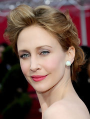 Vera looked the part of a princess at the 2010 Oscars, here with stud earrings and a loose up-do.