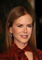 Nicole Kidman paired her polished look with elegant diamond drop earrings.
