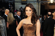 Aishwarya Rai Oscar Dress: Armani Prive