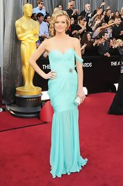 Missi was ravishing in a draped seafoam gown.