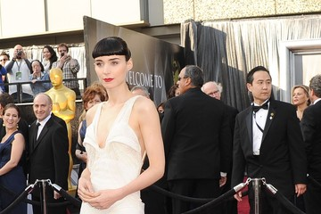Rooney Mara's Magnificent White Oscars 2012 Dress