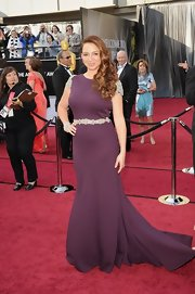 Maya Rudolph was elegant in a eggplant gown with embellished detailing.