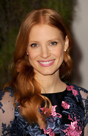 Jessica Chastain lightened up her look with a refreshing pop of pale pink.