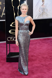 Naomi Watts stood out on the red carpet with this custom-designed, sequin gown with an elegant one-shoulder cutout.