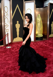 Rachel Smith went for a classic black mermaid gown for the 2014 Academy Awards.