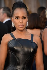 Kerry Washington styled her hair into a pompadour ponytail for the Oscars.