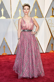 Scarlett Johansson charmed in a floaty pink print gown by Azzedine Alaïa at the 2017 Oscars.