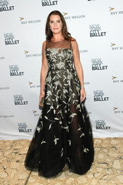 Brooke Shields looked elegant in a sleeveless black gown with silver embroidery at the 2019 New York City Ballet Fall Fashion Gala.