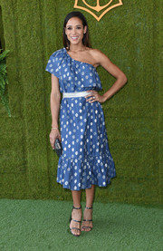 Dania Ramirez went for boho cuteness in a blue one-shoulder midi dress with a layered neckline at the Veuve Clicquot Polo Classic.