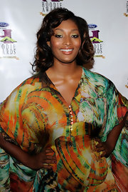 Tocarra Jones looks pretty with her mid-length curls down at the Ford Hoodie Awards.