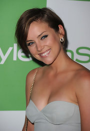 Jessica Stroup showed off her sleek side parted cut while hitting the InStyle event.