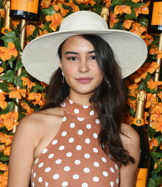 More Pics of Courtney Eaton Velvet Bag (3 of 6) - Velvet Bag Lookbook - StyleBistro [clothing,hat,orange,sun hat,beauty,headgear,polka dot,fashion accessory,pattern,plant,arrivals,courtney eaton,los angeles,pacific palisades,california,will rogers state historic park,veuve clicquot polo classic]