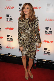 Jaclyn arrived at the AARP Awards Gala in a stunning form-fitting leopard wrap dress.