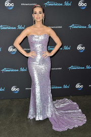 Katy Perry looked radiant in a strapless lavender gown by Romona Keveza on 'American Idol.'