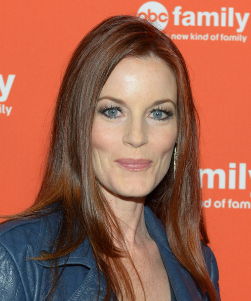 More Pics of Laura Leighton Long Straight Cut (1 of 6) - Laura Leighton Lookbook - StyleBistro
